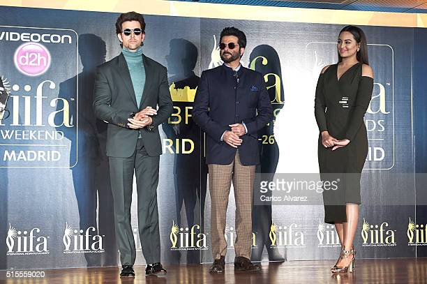 Indian actors Hrithik Roshan Anil Kapoor and Sonakshi Sinha attend the 17th International Indian Film Academy awards press conference at the Retiro...