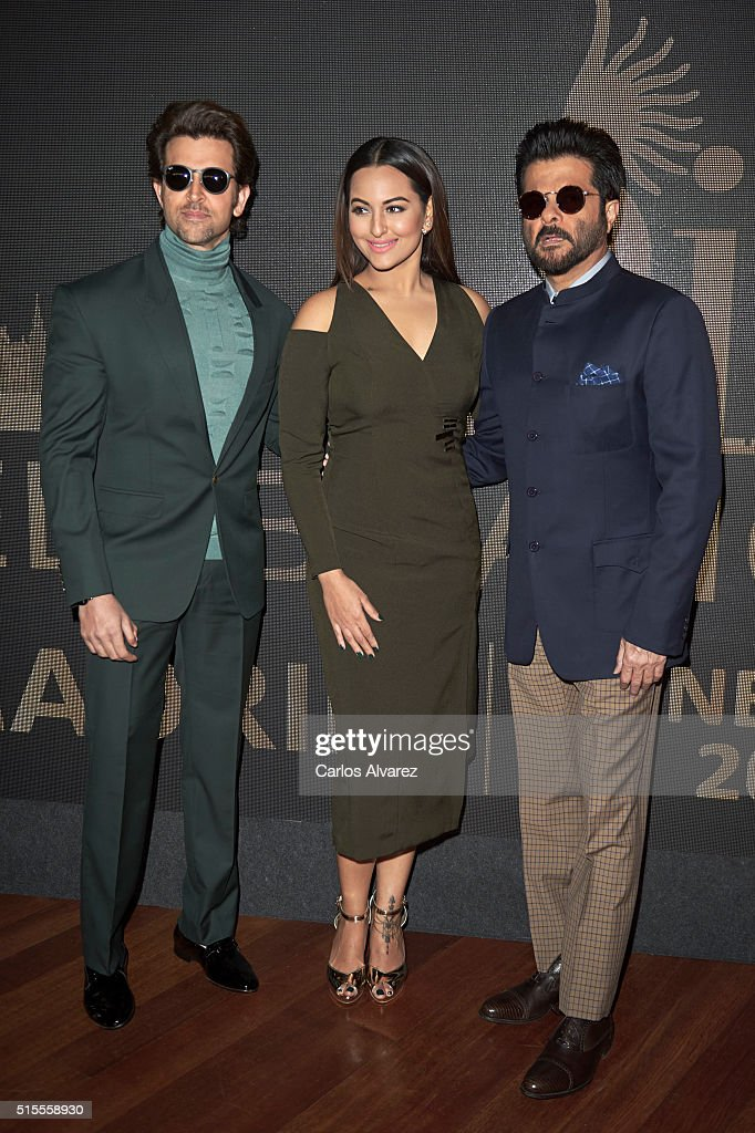 Indian actors Hrithik Roshan Sonakshi Sinha and Anil Kapoor attend the 17th International Indian Film Academy awards press conference at the Retiro...