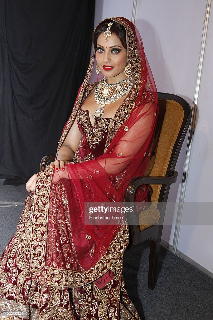 Indian actress Bipasha Basu at the grand finale by Shree Raj Mahal Jewellers India Couture Week 2014 on July 20 2014 in New Delhi India