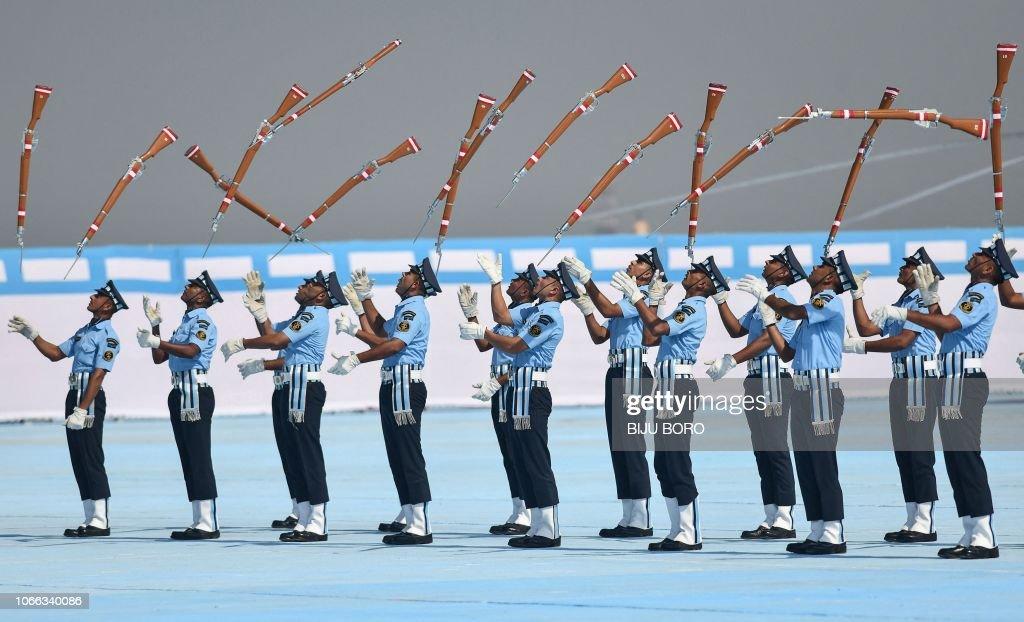 TOPSHOT-INDIA-DEFENCE-AIR FORCE : News Photo