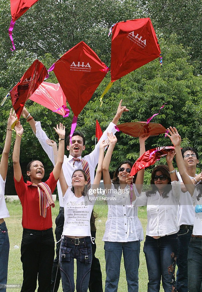 Indian Air Hostesses play with kites at : News Photo