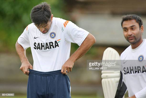 Indian batsman Rahul Dravid hitches up his tracksuit during training in Auckland on March 13 2009 India is preparing for the final oneday...
