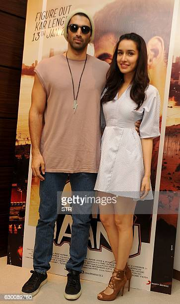 Indian Bollywood actor Aditya Roy Kapur and actress Shraddha Kapoor pose during a promotional event for the romantic drama Hindi film OK Jaanu...