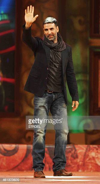 Indian Bollywood actor Akshay Kumar gestures during the annual 'Umang 2015 Mumbai Police Show' in Mumbai on late January 10 2015 AFP PHOTO / STR