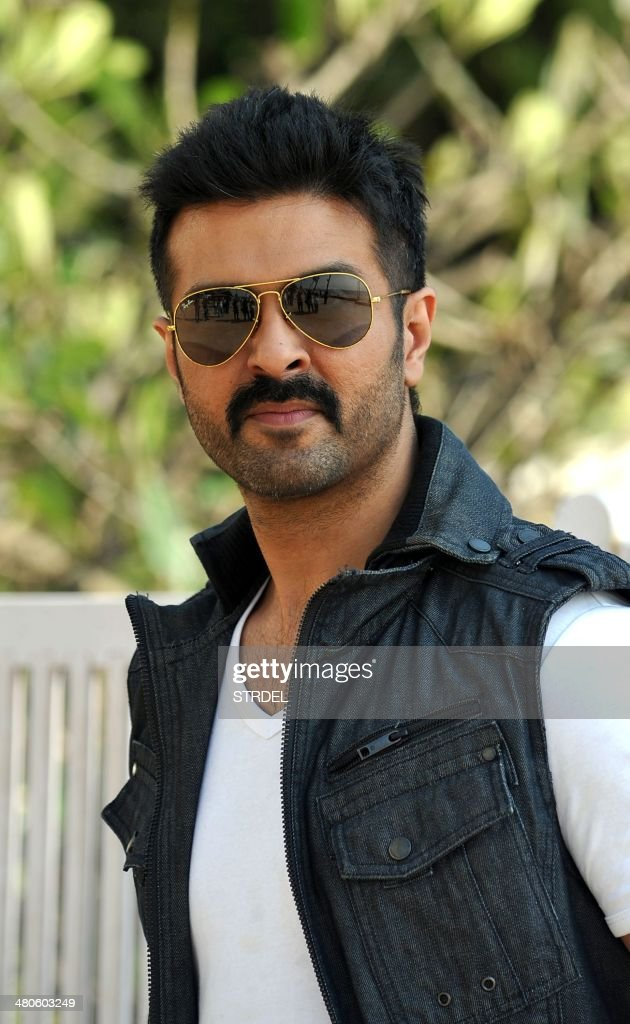 Indian Bollywood actor Harman Baweja poses for a photograph during a promotional event for the forthcoming Bollywood film 'Dishkiyaaoon' produced by Shilpa Shetty and directed by Sanamjit Singh Talwar in Mumbai on March 25, 2014.