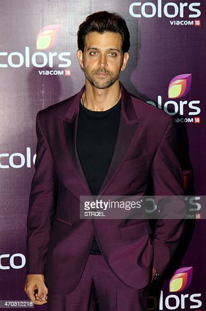 Indian Bollywood actor Hrithik Roshan poses for a photograph during a promotional event in Mumbai on late April 18 2015 AFP PHOTO / STR