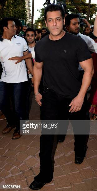 Indian Bollywood actor Salman Khan arrives for a promotional event in Mumbai on December 13 2017 / AFP PHOTO / STR