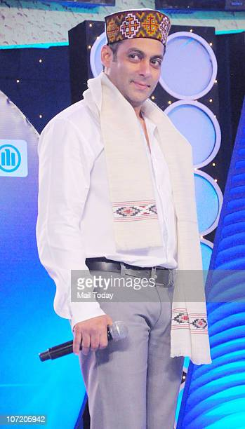 Indian Bollywood actor Salman Khan at the Indian Boradcast Network 7's �Super Idols� of the Nation Award ceremony in Mumbai on November 29 2010