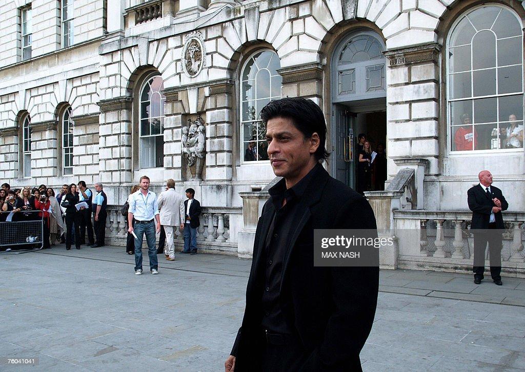 Indian Bollywood actor Shah Rukh Khan ar : News Photo
