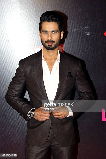 Indian Bollywood actor Shahid Kapoor attends the 'Life OK Screen Awards 2015' in Mumbai on January 14 2015 AFP PHOTO/STR