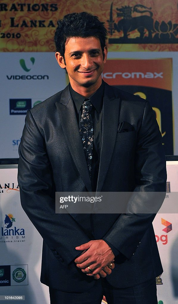 Indian Bollywood actor Sharman Joshi arrives at the International Indian Film Academy (IIFA) awards in Colombo on June 5, 2010. Bollywood actors arrived in Sri Lanka to attend the three-day International Indian Film Academy (IIFA) awards and surrounding events that begun in Colombo on June 3. AFP PHOTO/ Punit PARANJPE