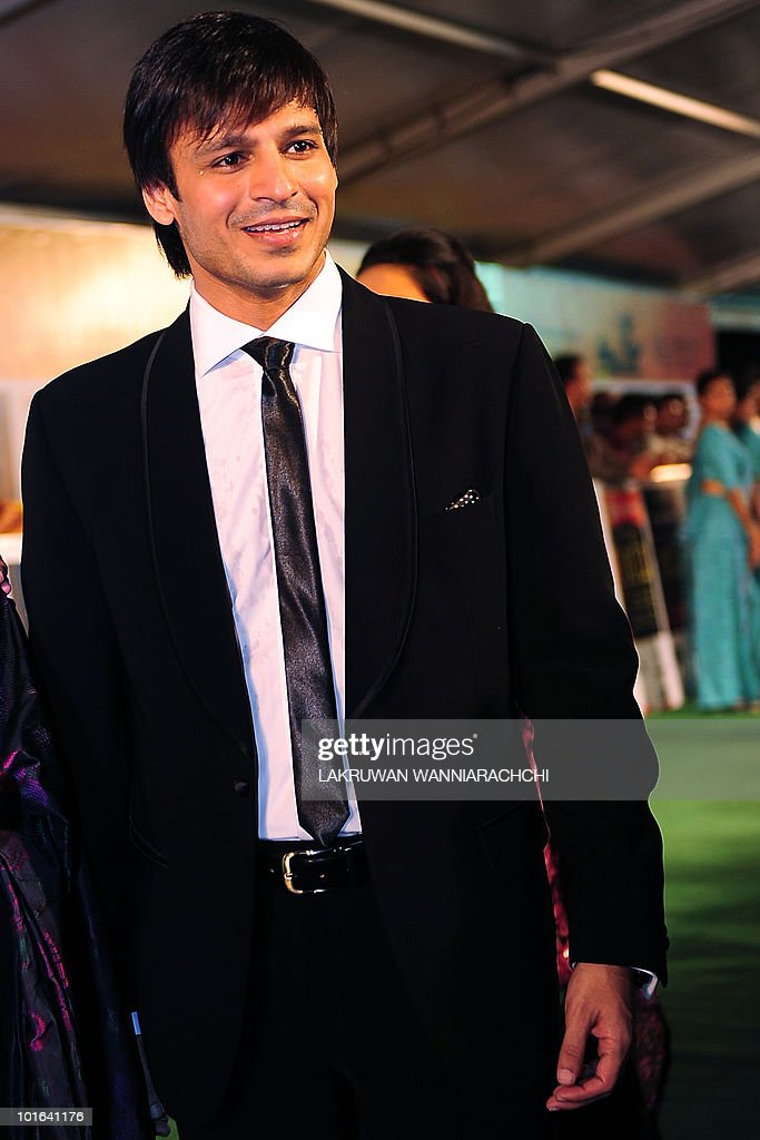 Indian Bollywood actor Vivek Oberoi arrives at the International Indian Film Academy (IIFA) awards in Colombo on June 5, 2010. Bollywood actors arrived in Sri Lanka to attend the three-day International Indian Film Academy (IIFA) awards and surrounding events that begun in Colombo on June 3. AFP PHOTO/ Lakruwan WANNIARACHCHI.