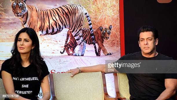 Indian Bollywood actors Katrina Kaif and Salman Khan look on during a promotional event in Mumbai on December 13 2017 / AFP PHOTO / STR