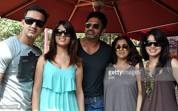 Indian Bollywood actors Rehan Khan Vidya Malvade Sunil Shetty Dimple Kapadia and Anjana Sukhani attend a promotional event for the film 'TUM MILO TOH...