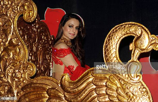 Indian Bollywood actress Ameesha Patel attends the 'National Jewellery Awards 2016' ceremony in Mumbai on February 6 2016 AFP PHOTO / AFP / STR