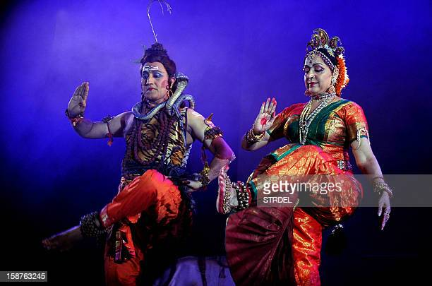 Indian Bollywood actress and Bharatanatyam dancer Hema Malini performs during a tribute to her mother Jaya Chakravarthy Jaya Smriti an event in...