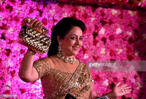 487 Actress Hema Malini Photos And Premium High Res Pictures Getty Images