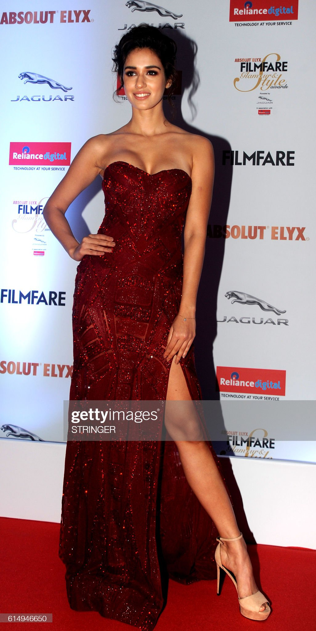 indian-bollywood-actress-disha-patani-attends-the-filmfare-glamour-picture-id614946650