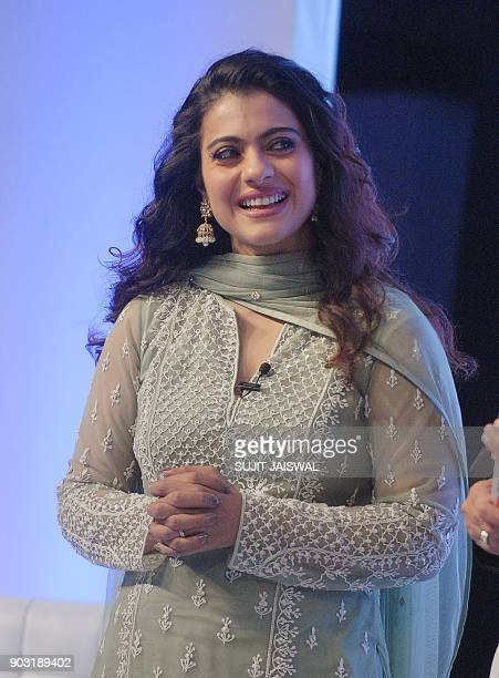 Indian Bollywood actress Kajol Devgn addresses 'Swachh Aadat Swachh Bharat' campaign event in Mumbai on January 10 2018 / AFP PHOTO / Sujit Jaiswal