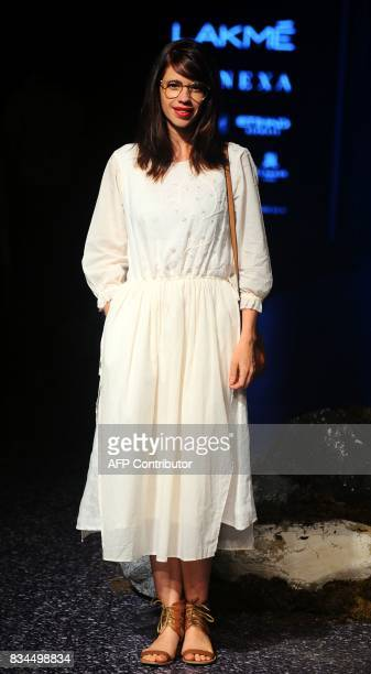 Indian Bollywood actress Kalki Koechlin poses for a photograph at Lakme Fashion Week Winter /Festive 2017 in Mumbai on August 17 2017 Lakme Fashion...