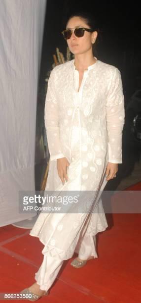 Indian Bollywood actress Kareena Kapoor Khan arrives for a prayer meeting for film director Ram Mukherjee in Mumbai on October 25 2017 / AFP PHOTO /...