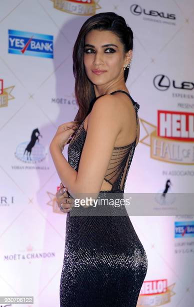 Indian Bollywood actress Kriti Sanon attends the 'Hello Hall of Fame Awards 2018' in Mumbai on March 11 2018 / AFP PHOTO /