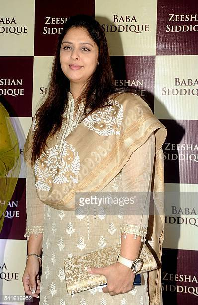 60 Top Bollywood Actors Attend An Iftar Party Pictures