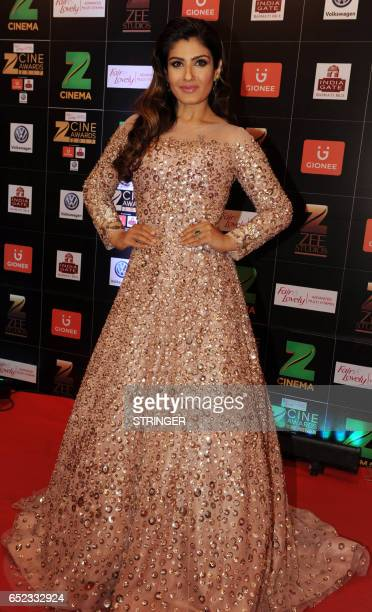 Indian Bollywood actress Raveena Tandon attends the 'Zee Cine Awards 2017' ceremony in Mumbai on March 11 2017 / AFP PHOTO / STRINGER