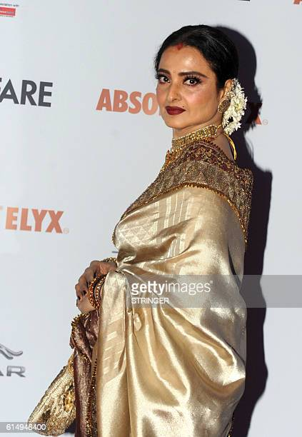 Indian Bollywood actress Rekha attends the 'Filmfare Glamour and Style Awards 2016' in Mumbai on October 15, 2016. / AFP / STRINGER