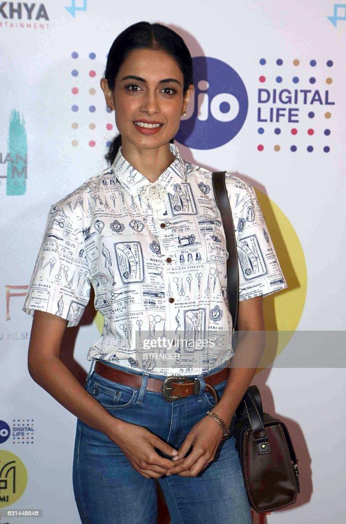 indian-bollywood-actress-sarah-jane-dias