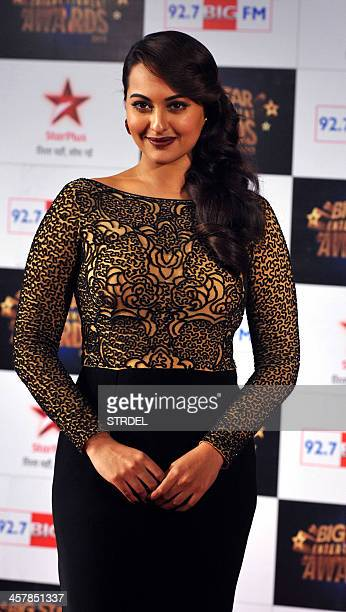 Indian Bollywood actress Sonakshi Sinha attends the BIG Star Entertainment Awards ceremony in Mumbai on December 18 2013 AFP PHOTO/STR