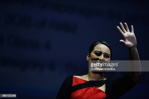 Indian Bollywood actress Sonakshi Sinha waves during an event in New Delhi on August 6, 2015. AFP PHOTO/ CHANDAN KHANNA