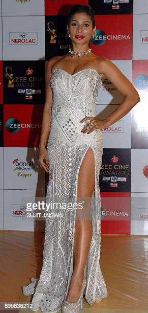 Indian Bollywood actress Tanisha Mukherjee attends the 'Zee Cine Awards 2018' ceremony in Mumbai on December 19 2017 / AFP PHOTO / Sujit Jaiswal