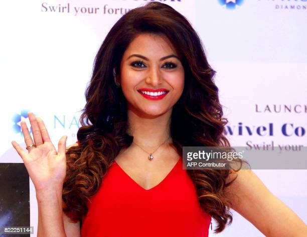 Indian Bollywood actress Urvashi Rautela attends the launch of a new jewellery collection in Mumbai on July 25 2017 / AFP PHOTO / STR