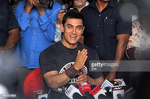 Indian Bollywood film actor Aamir Khan interacts with the media on completing 25 years in Indian cinema in Mumbai on April 29 2013 AFP PHOTO