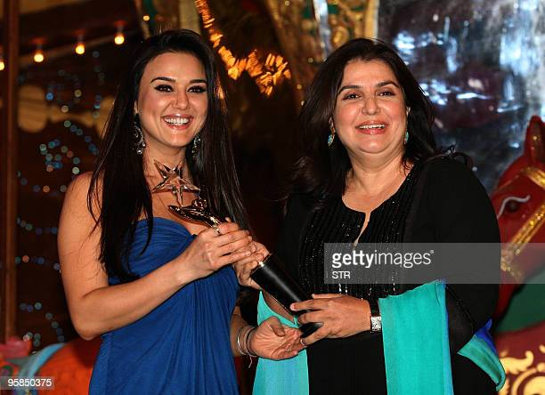 Indian Bollywood film actor Preity Zinta and director Farha Khan attend the Stardust Awards in Mumbai late on January 17 2010 AFP PHOTO/STR