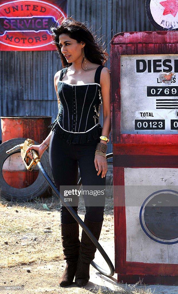 Indian Bollywood film actress Chitrangda Singh poses on location during the shooting of the upcoming Hindi film 'I Me Aur Main' song directed by debutant Kapil Sharma at Kamalistan Studio in Mumbai on January 18, 2013. AFP PHOTO