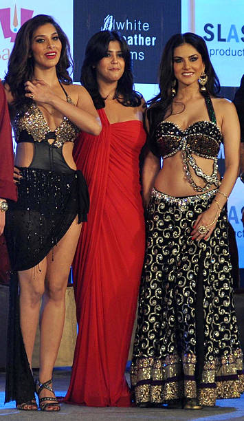 Indian Bollywood Film Actress Sophie Choudry L, Canadian -6647