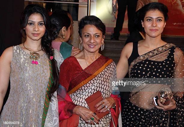 Indian Bollywood Film Actresses Kajol Devgan And Tanisha Tanishas Mother Veteran Actress Tanuja Pose