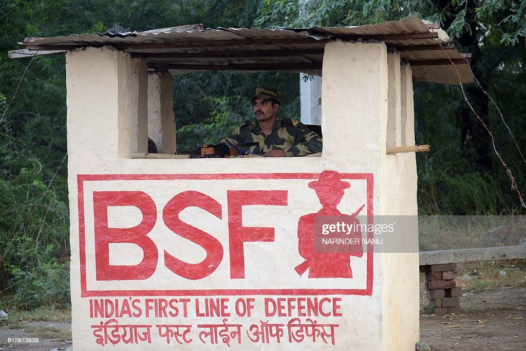 Indian Border Security Force personnel stand guard at the IndiaPakistan Wagah border some 35km from Amritsar on October 5 2016 / AFP / NARINDER NANU