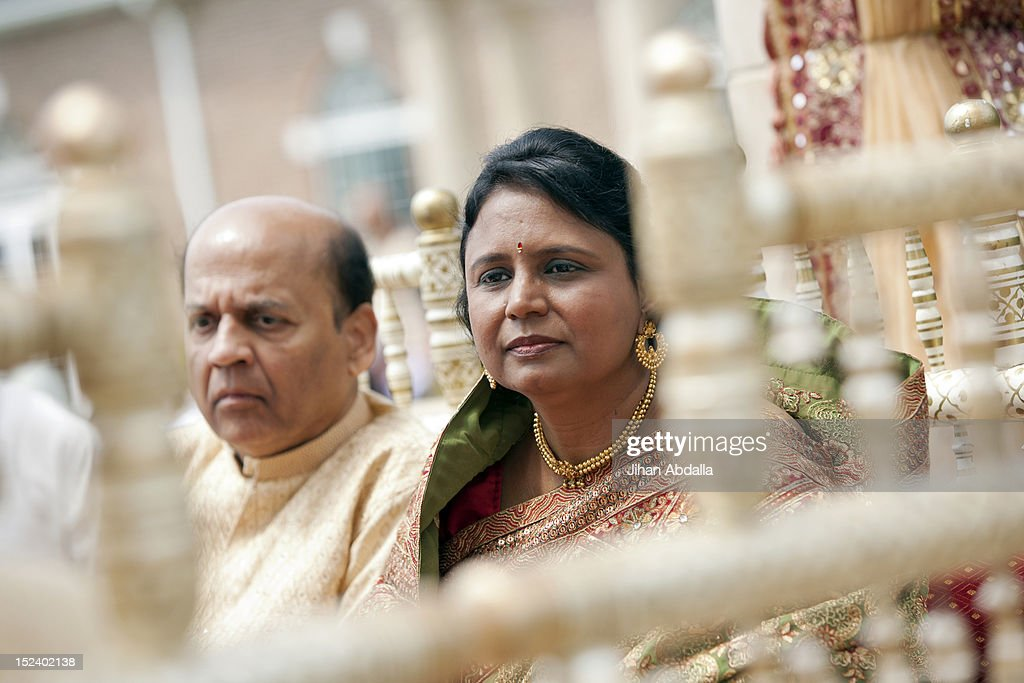 Indian couple in traditional clothing