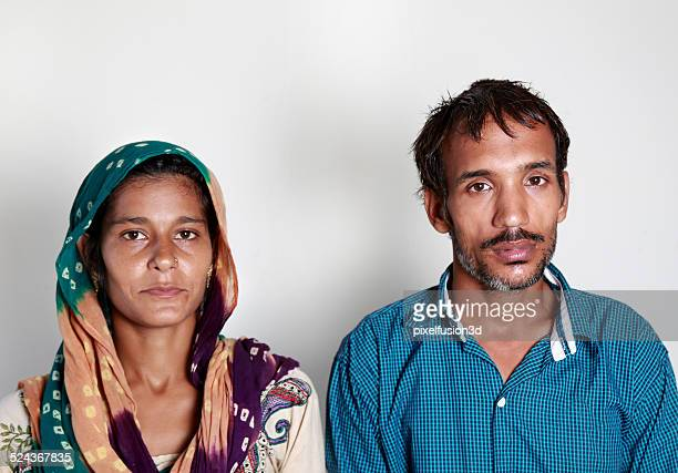 indian couple portrait - dupatta stock pictures, royalty-free photos & images