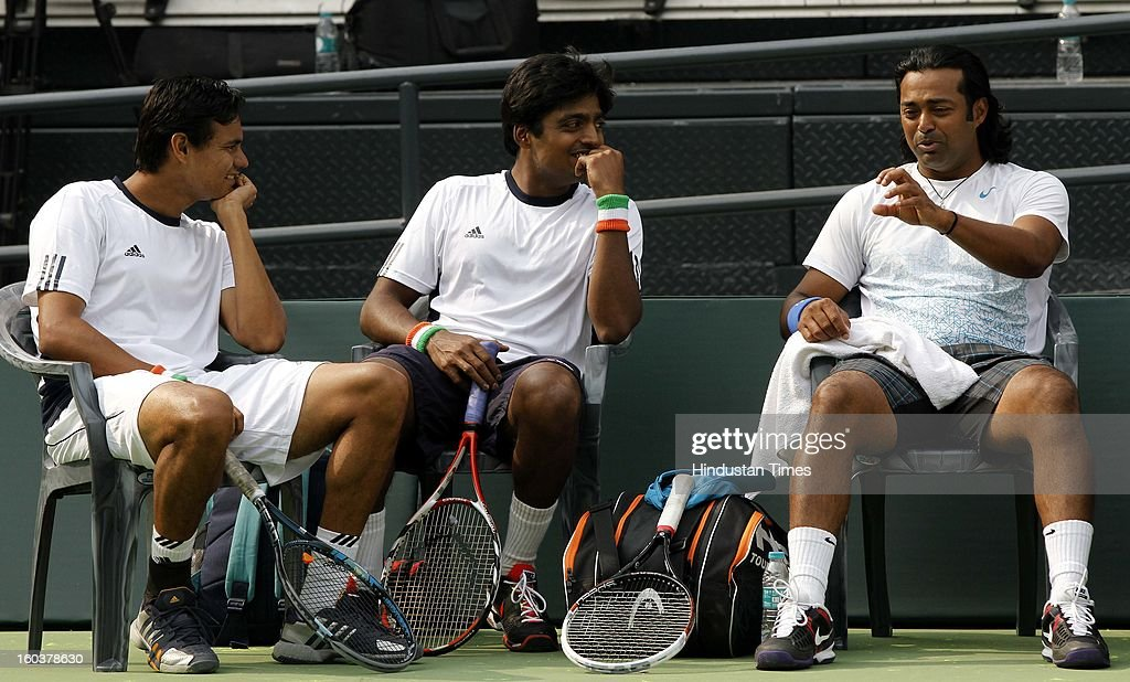Indian Davis Cup player Vijayant Malik (L), Ranjeeth (C) listens to Leander Paes during the practice session at DLTA on January 30, 2013 in New Delhi, India. After the rebellion by top Indian tennis players AITA has fielded an inexperienced team for the Davis Cup tie against South Korea that will begin on February 1.