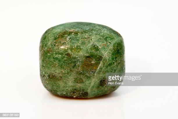 indian emerald crystal gemstone - emerald gemstone stock pictures, royalty-free photos & images