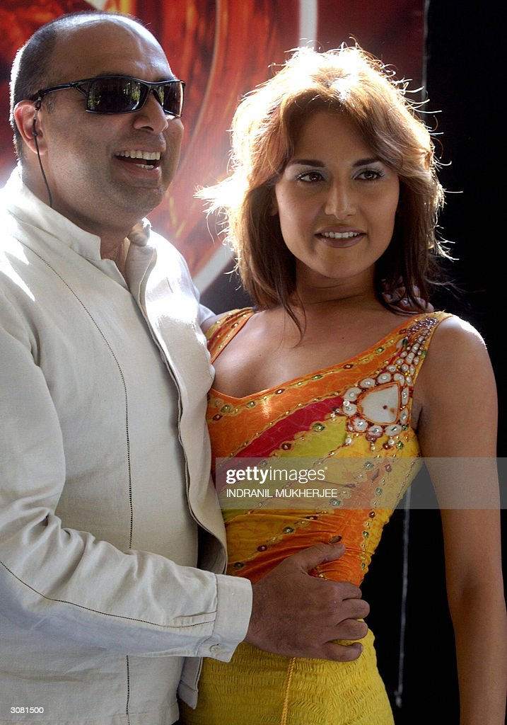 Indian Fashion Designer Tarun Tahiliani Poses With Model Tupur News Photo Getty Images