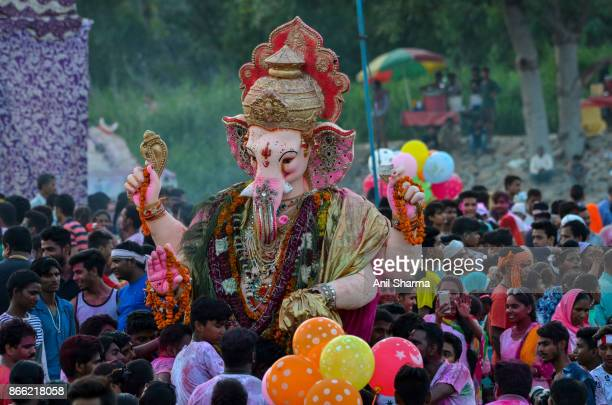 indian festivals: ganesh chaturthi -3 - dieu hindou photos et images de collection