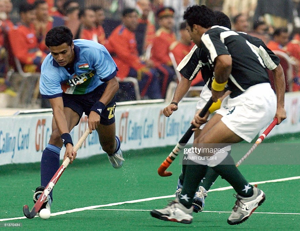 Indian Field Hockey Player Hari Prasad Gets Past Pakistani Hockey News Photo Getty Images