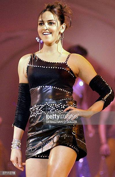 Indian film actress Esha Doel performs at a concert for the World Youth Peace Summit in Bombay 08 November 2003 The concert was organised by Indian...