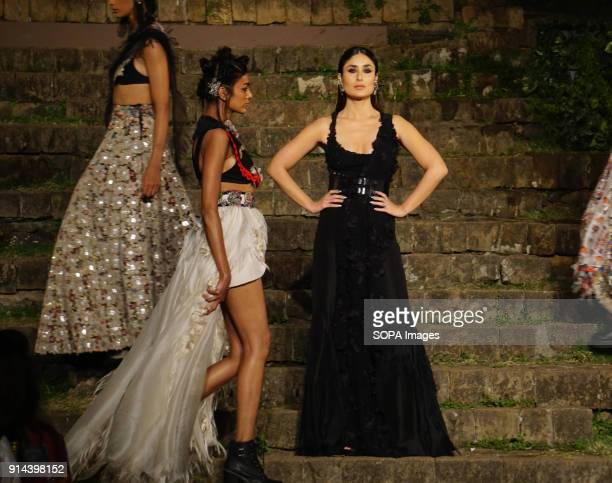 Indian film actress Kareena Kapoor Khan show stopper for the designer Anamika Khanna at the Grand Finale of Lakme Fashion Week Summer/Resort 2018 at...