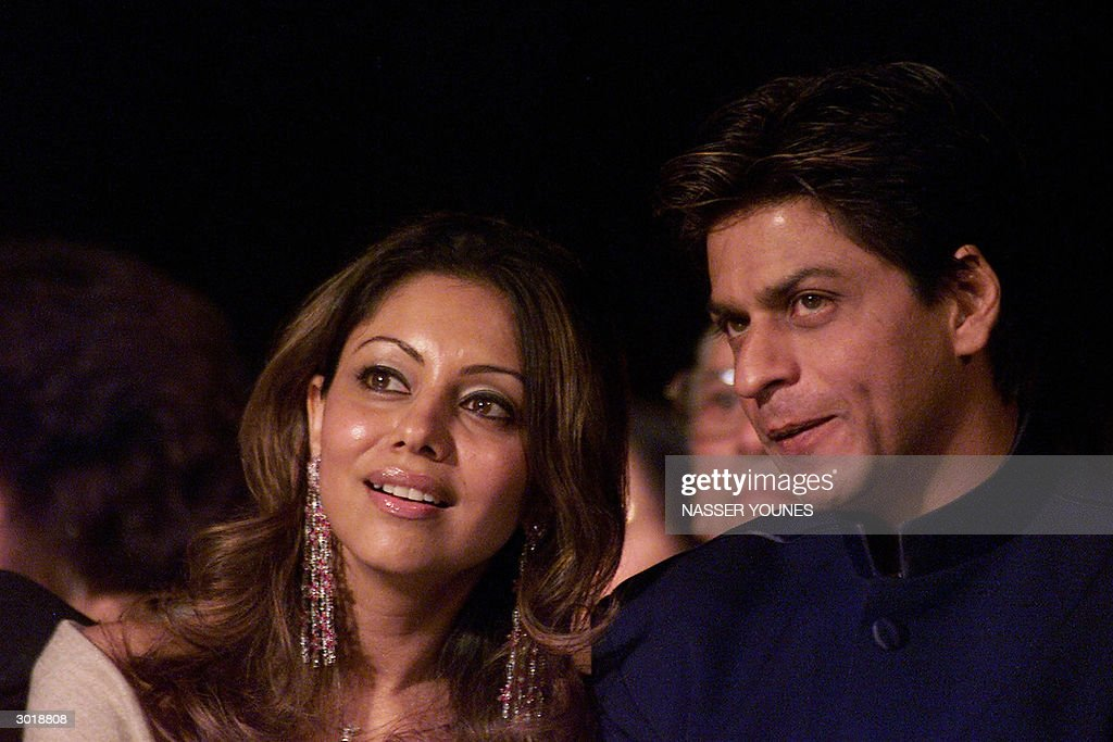 Indian film star Shahrukh Khan and his w : News Photo